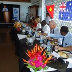 Minister Bishop, Morobe Governor Kelly Naru & other VIP having lunch.